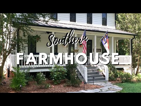 Southern Farmhouse Home Tour // Indoor + Outdoor Decorating Ideas on a Budget